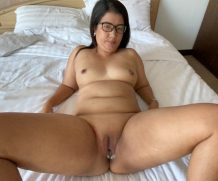 Asiansexdiary Apple spreads and shows creampie after FAT MOM FUCK  WEB-DL Video 1920×1020 wmv