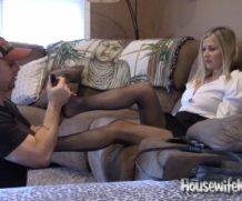 HousewifeKelly The Waitress  SITERIP XXX  Vid + Images