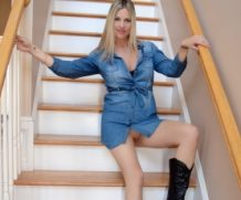 HousewifeKelly Babe In Boots  SITERIP XXX  Vid + Images