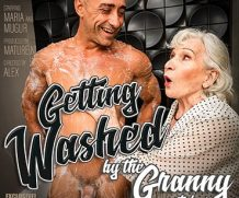 MATURE.NL Granny next door is washing up her muscled younger friend  [SITERIP VIDEO 2020 hd wmv 1920×1200]