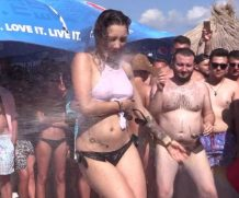 Ugotitflauntit Wet T-Shirt Competition 15 – Movieclip  [HD VIDEO 720p Siterip mp4